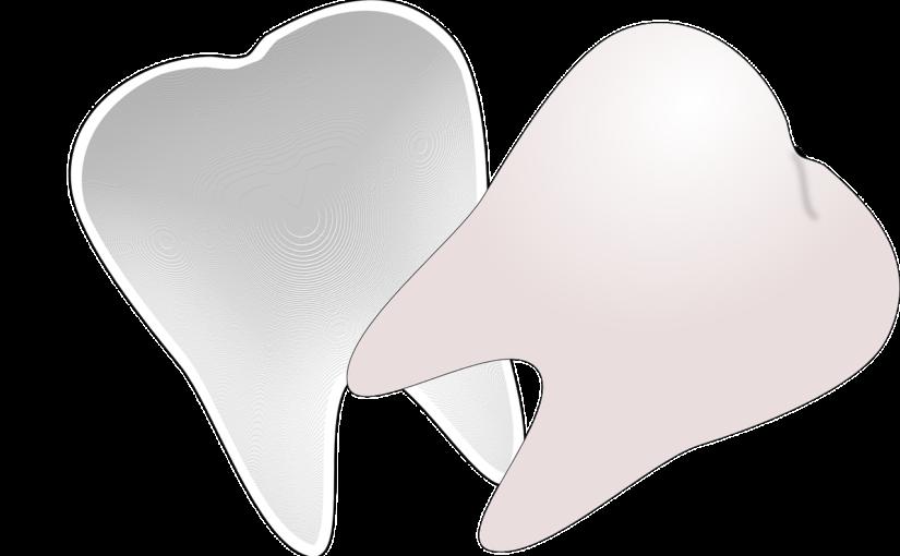 Przepiękne urodziwe zęby również powalający prześliczny uśmiech to powód do płenego uśmiechu.